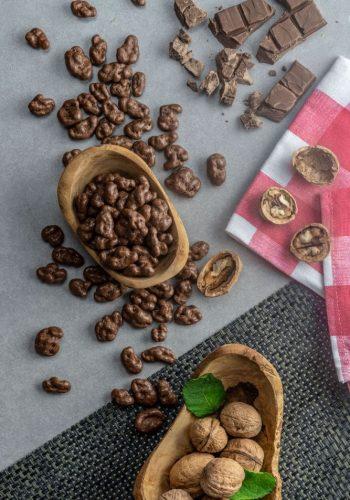 walnut-coated-with-milk-chocolate.jpg