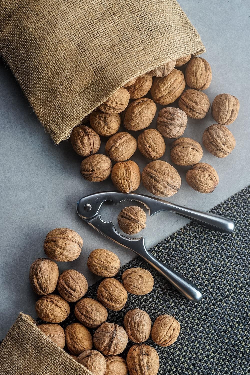 walnuts-PZRCU9T-min.jpg